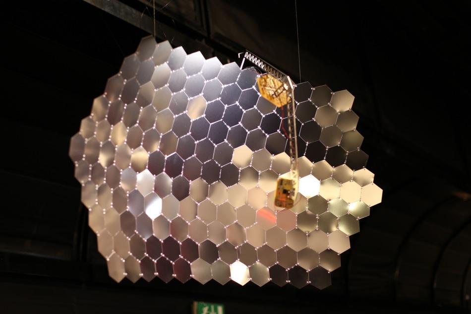 1000 Flames - hexagonal reflector mirror